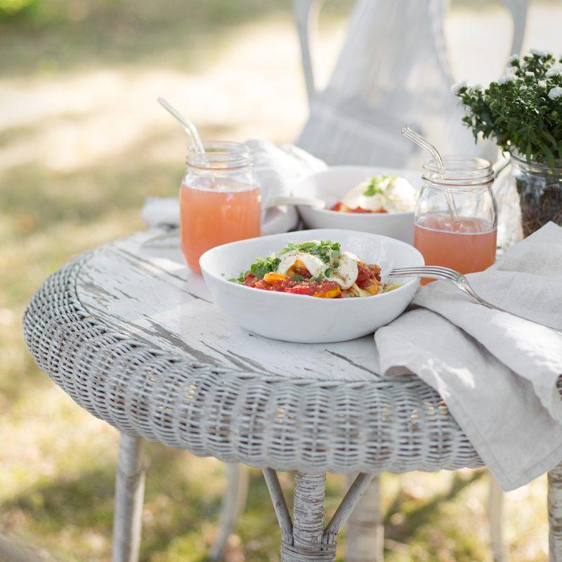 Outdoor Studio – Pasta mit Gemüsesoße