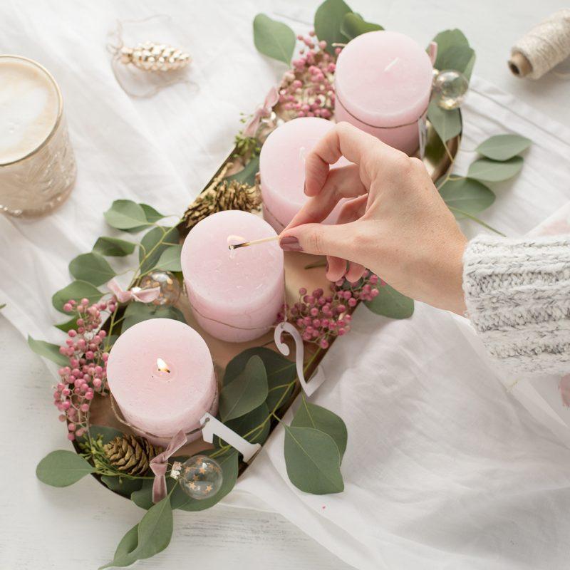 """""""Adventskranz"""" – ein Traum in Rosa und Gold"""