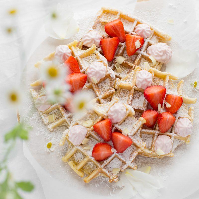 Vanillewaffeln mit Erdbeer-Creme
