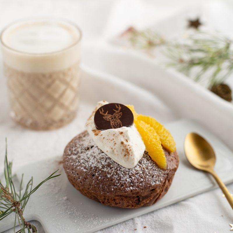 Weihnachtliches Kardamom-Schoko Küchlein mit Zimtorangen